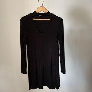 ⚪️GARAGE Black V Neck Long Sleeve Dress